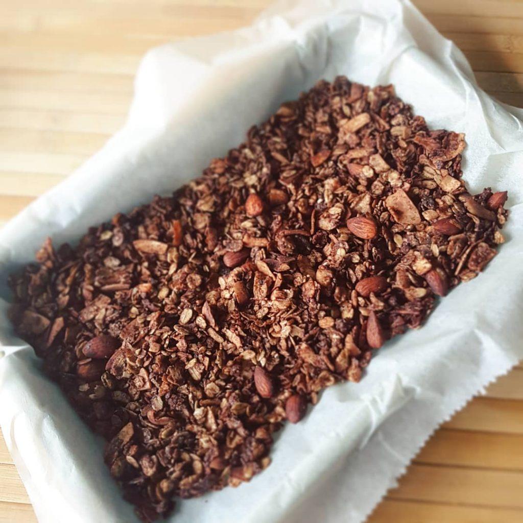 Zelfgemaakte chocolade granola